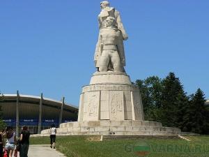 Памятник «Пантеон» в Варне